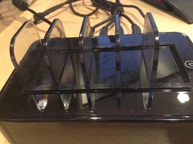 USB充電ステーション 外観